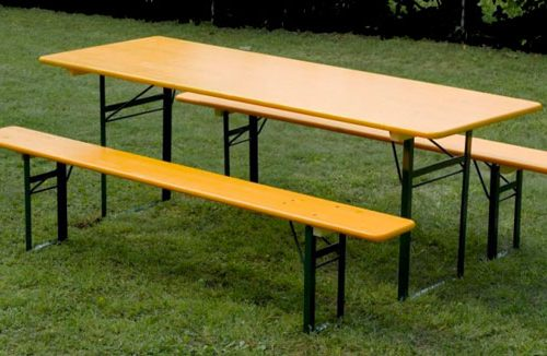 Tavolo E Panche Birreria.Set Of Benches And Table Brewery